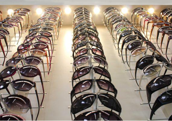 ME032 – Expositor de parede para 152 óculos
