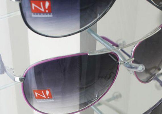 ME061 – Expositor de balcão para 13 óculos