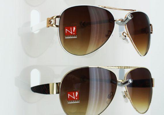 ME112 – Expositor de chão para 15 óculos