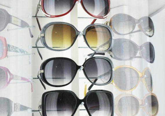 ME134 – Expositor de chão para 54 óculos
