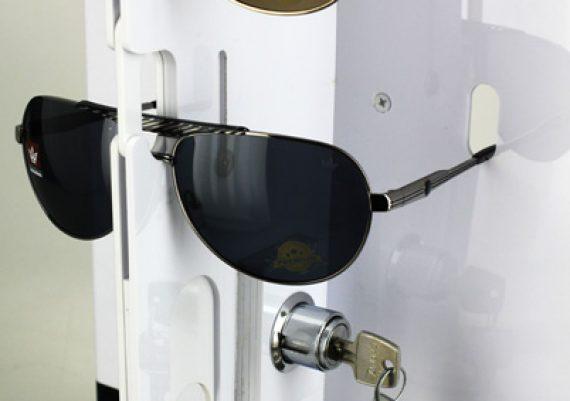 ME136 – Expositor de chão com trava para 14 óculos