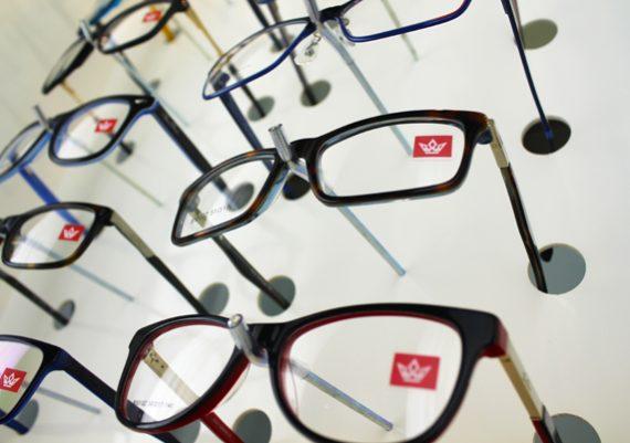 ME148 – Expositor de parede para 48 óculos