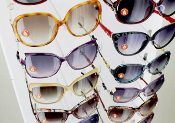 ME161 – Expositor de chão para 32 óculos